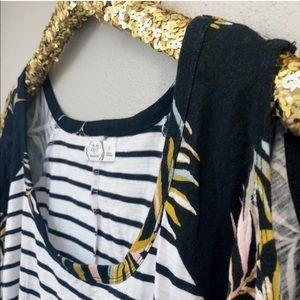Plus // Cold-Shoulder Striped Pattern Tee